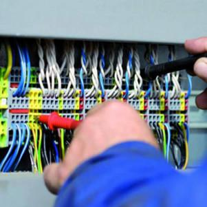 Refresher courses for specialists responsible for the electrical sector