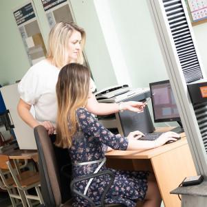 Conducting technical consultations on BIM technologies